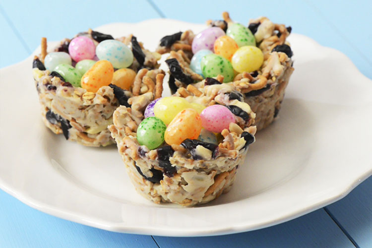 No-Bake Craisins® Dried Cranberries Crunch Clusters - Easter Nests