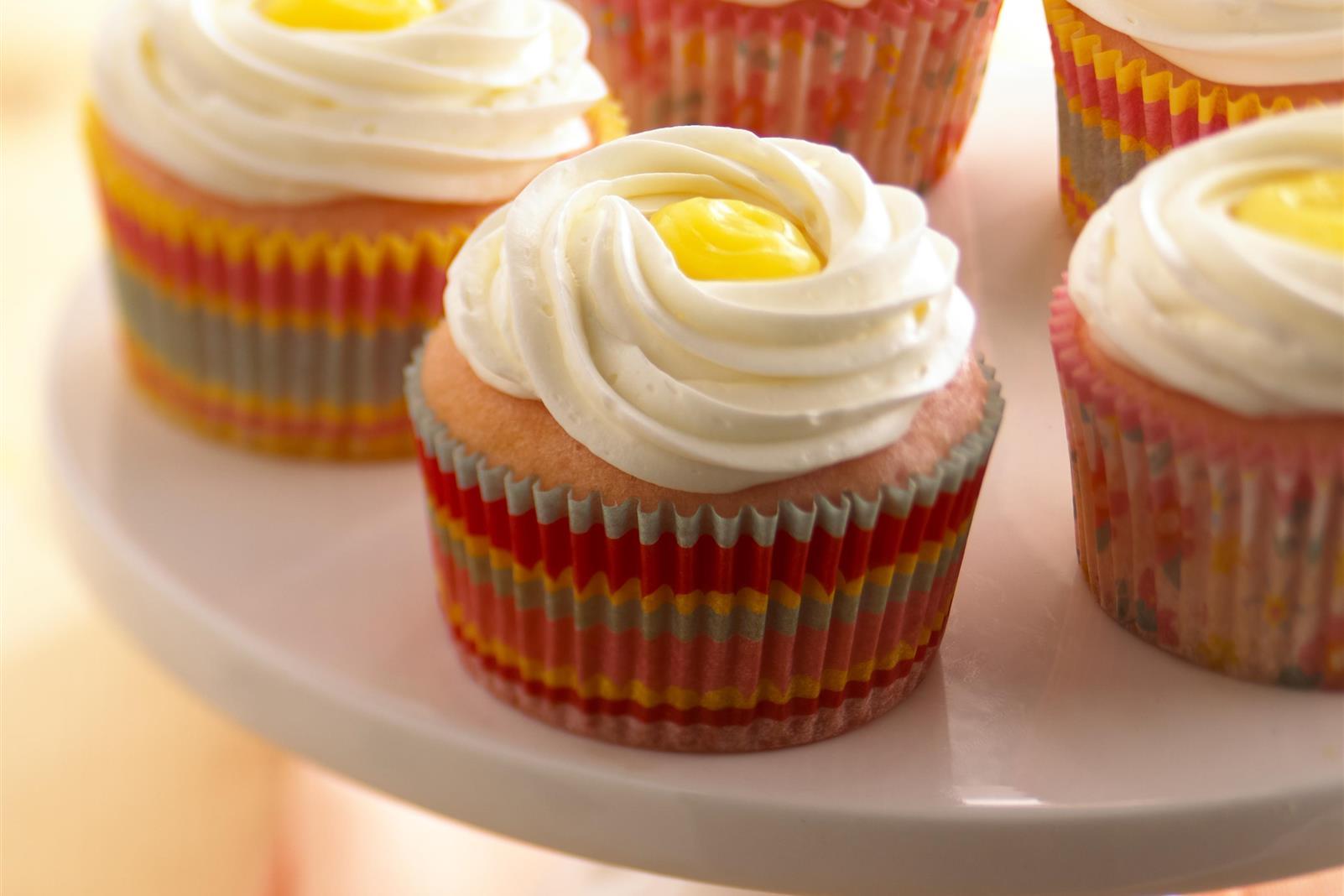 Stuffed Cran-Lemonade Cupcakes