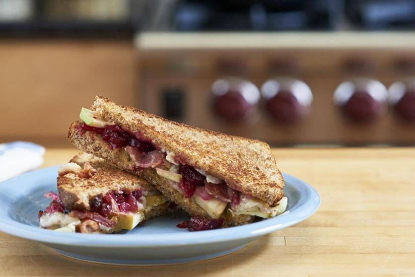 Cranberry, Apple and Bacon Grilled Cheese